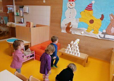 Gibalna igra Zadeni snežaka