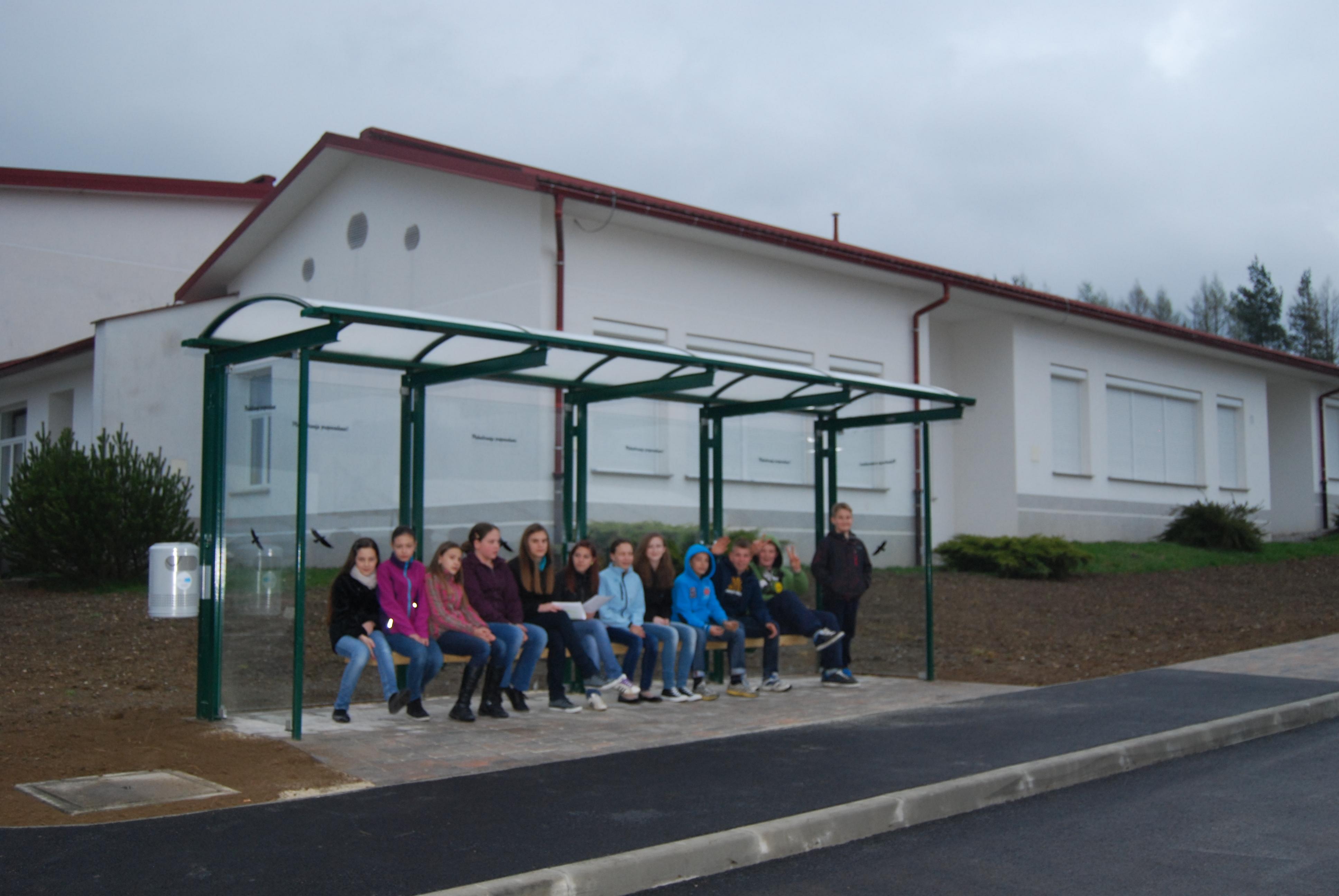 Otvoritev obnovljene okolice šole